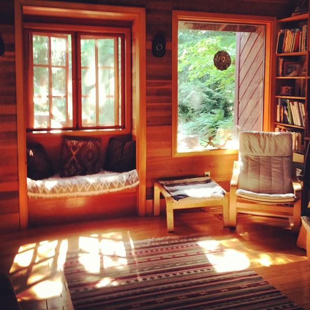 Rainbow Cottage living room